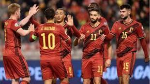 Los jugadores belgas celebran un gol.