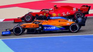 Sainz y Leclerc, durante el pasado Gran Premio de Bahréin.