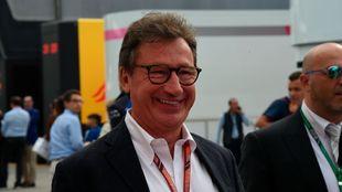 Louis Camilleri, en una de sus presencias en el paddock de la F1.