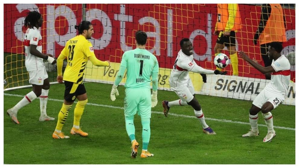 Stuttgart thumps Dortmund 5-1, Leipzig eases past Bremen