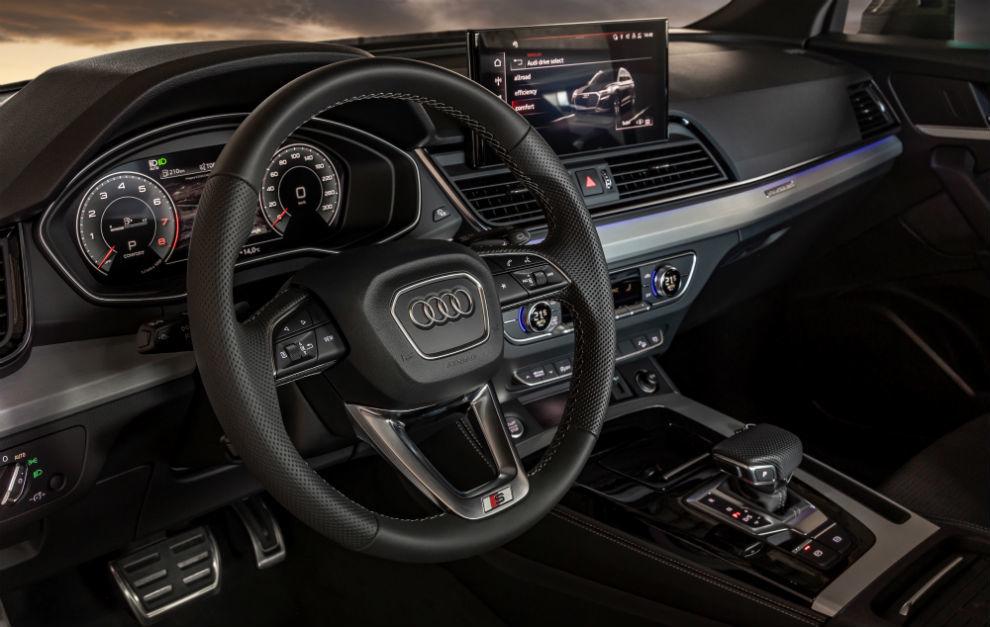 El nuevo Audi Q5 estrena el sistema de control táctil MMI touch.