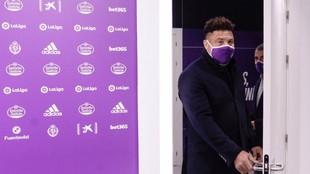 Ronaldo, presidente del Real Valladolid, antes de una comparecencia...