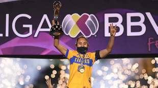 Liliana Mercado levanta el tercer título en la historia para las...