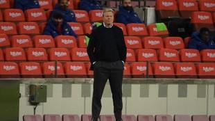 Koeman, durante el encuentro contra el Levante.
