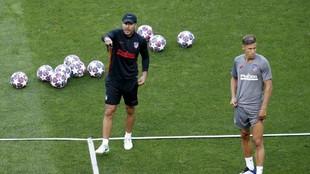 Llorente con Simeone en un entrenamiento.