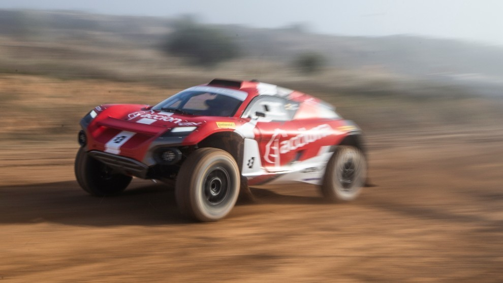 Carlos Sainz Acciona XE test colectivos Motorland