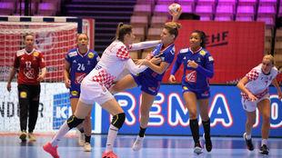 La croata Micijevic y la francesa Valentini, durante la semifinal /