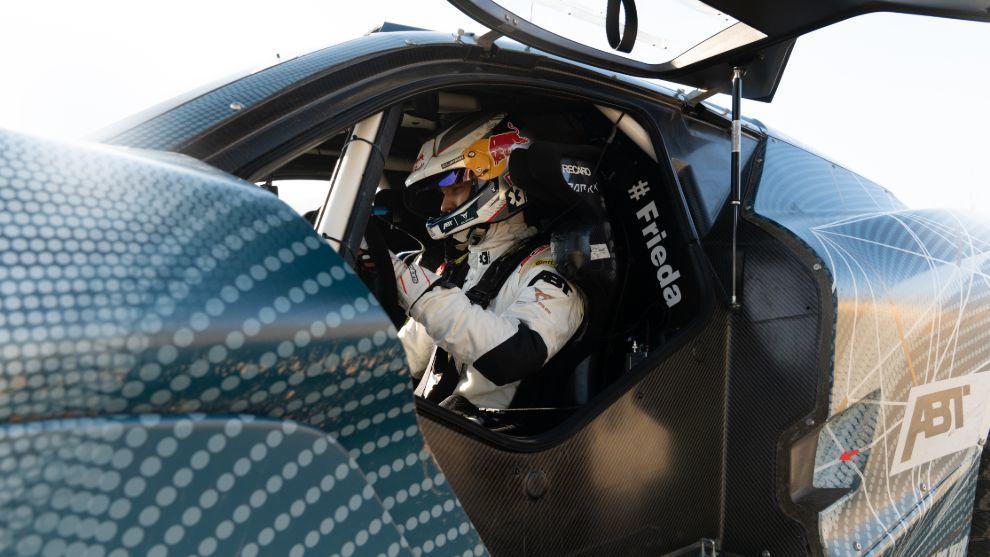 Ekström cuenta con más experiencia en coches de carreras eléctricos.