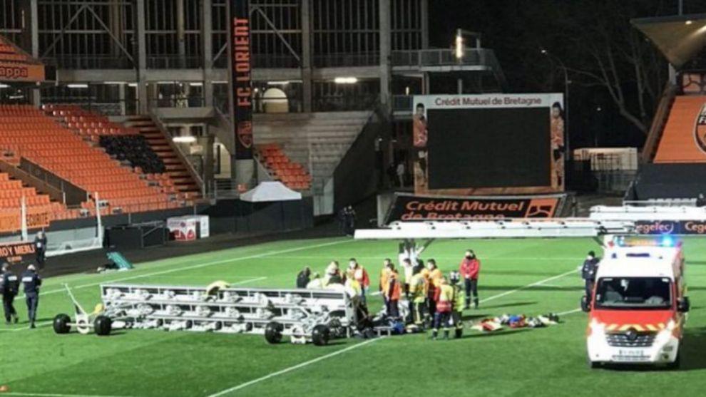Tragedia en el fútbol francés: murió aplastado por un foco del estadio