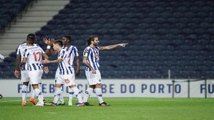 Porto le pega al Nacional en casa con Tecatito Corona en la cancha.
