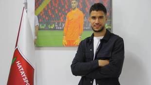 Munir posa desde tierras turcas tras recibir el premio Zamora