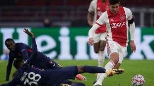 Ajax no dejará salir a Edson Álvarez en el mercado invernal.