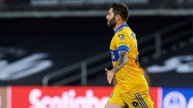Gignac festeja el gol del título.