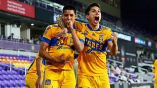 Tigres recibe felicitaciones del fútbol mexicano.