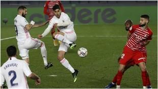 Solo el palo evitó que un taconazo escandaloso de Asensio se convirtiera en el mejor gol de su carrera
