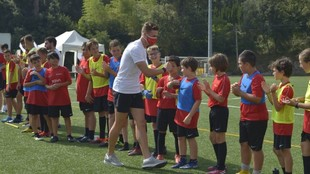 Sergi Gómez con varios niños en el Campus del año pasado