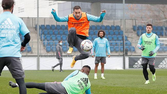 Eden Hazard, durante un entrenamiento de la última semana