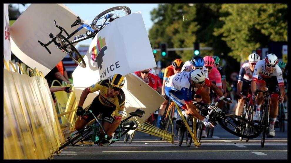 Sprint en el que Fabio Jakobsen sufrió el gravísimo accidente en...