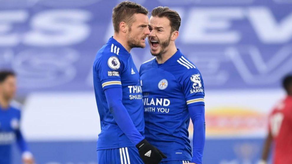 Vardy celebra con Maddison el gol del empate