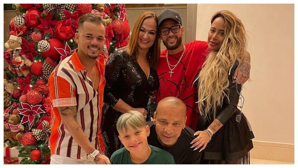 La foto 'familiar' que subió Neymar por Navidad.
