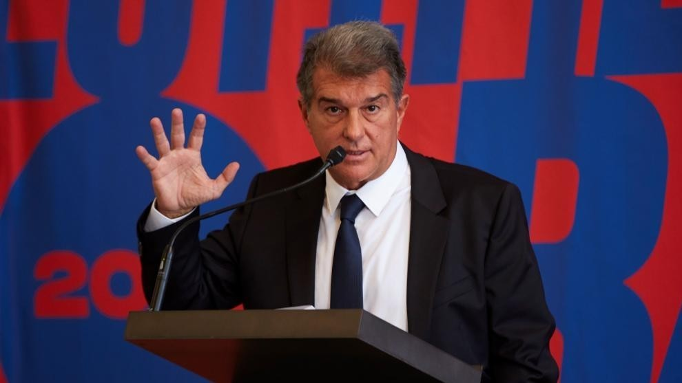 Laporta not the same man who showed his underwear at the airport