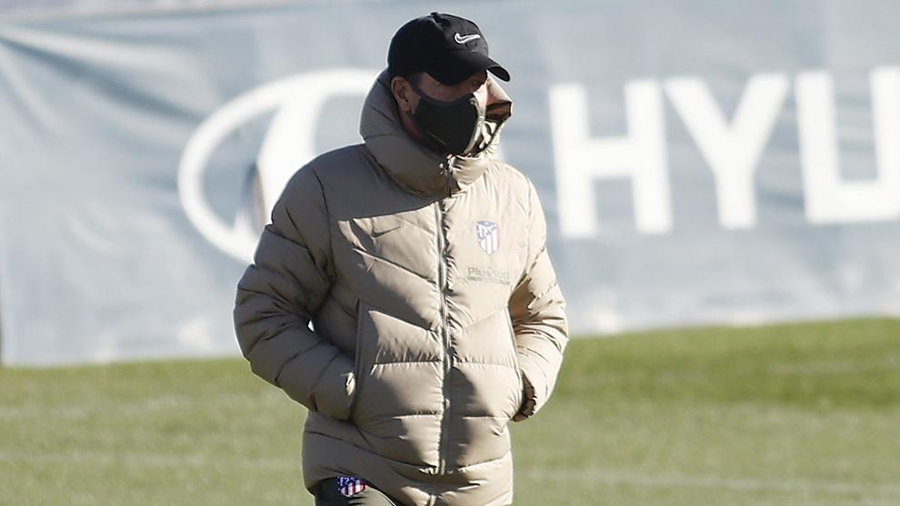 Simeone en un entrenamiento con el Atlético.