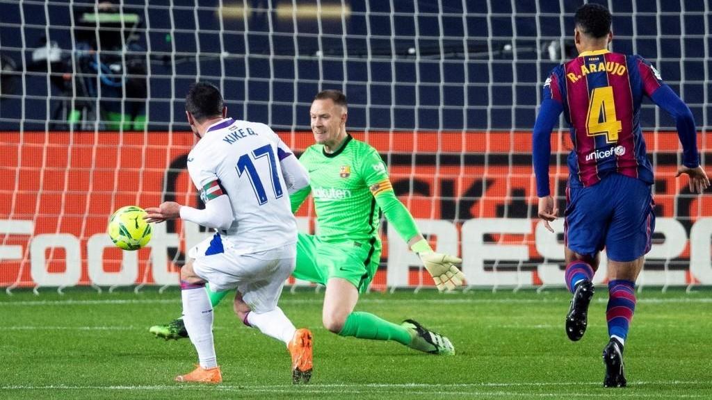 Kike Garcia scores vs Barcelona