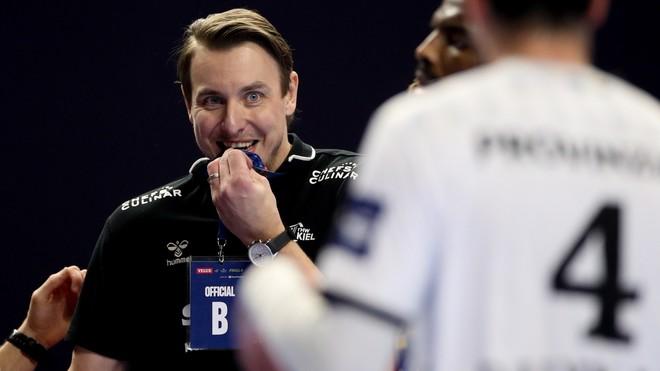Jicha, tercero que gana la Champions League como jugador y entrenador