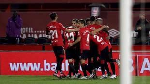 Los jugadores del Mallorca celebran un gol ante el Logroñés
