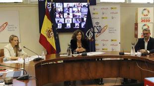 Irene Lozano, presidenta del CSD, en el centro.