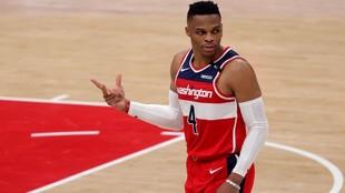 Russell Westbrook, tras anotar un triple en el partido de los Wizards...