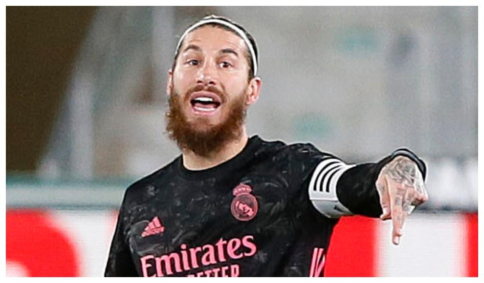 Sergio Ramo, durante el partido ante el Elche.