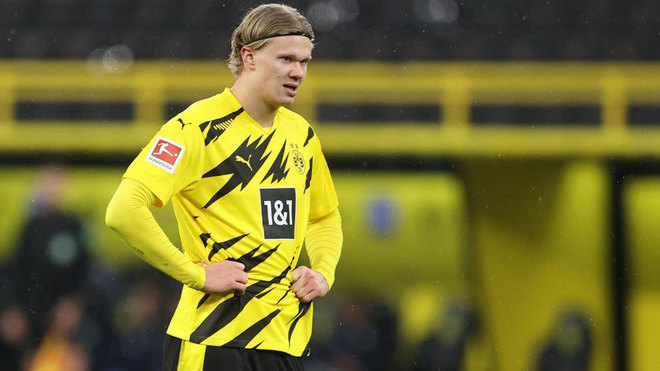 Sancho seals hard-fought win for Dortmund over Wolfsburg