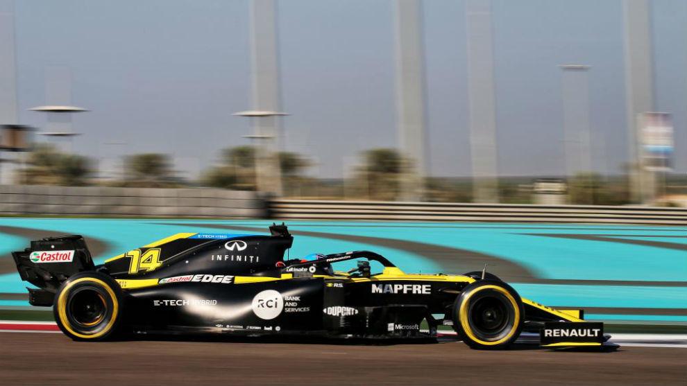 Fernando Alonso, en Abu Dhabi, con el Renault 2020.
