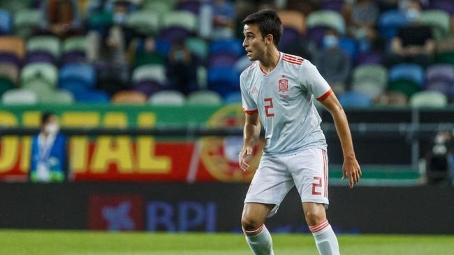 Eric García en un partido de la selección española.