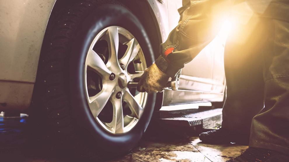 La mitad de los conductores no se preocupan por los neumáticos