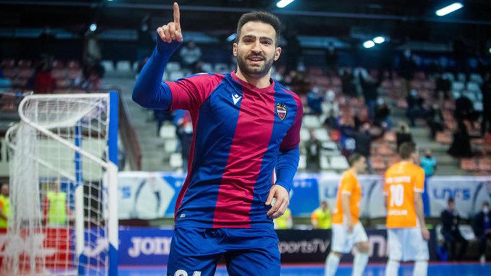 Goleada, liderato y Copa para el Levante