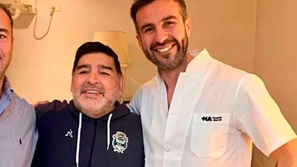 Maradona's doctors the focus of investigation after medical form revealed