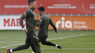 Trippier durante el entrenamiento del Atlético.