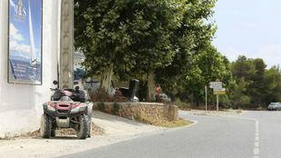El quad y la curva donde se produjo el atropello de Nieto en 2017.