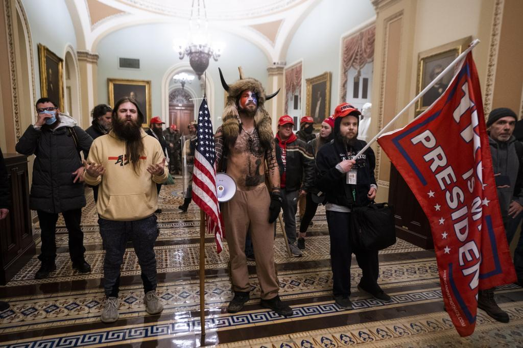 Assault on the Capitol: Like a film: This is how Trump's supporters took  the Capitol - Wednesday, January 6 saw historic scenes in the... | MARCA  English