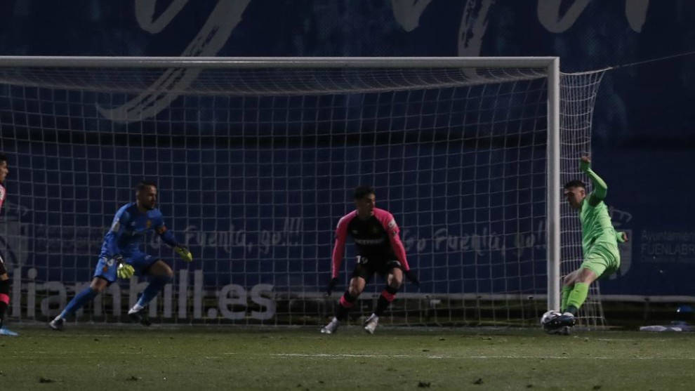Diéguez marcando el gol al Mallorca