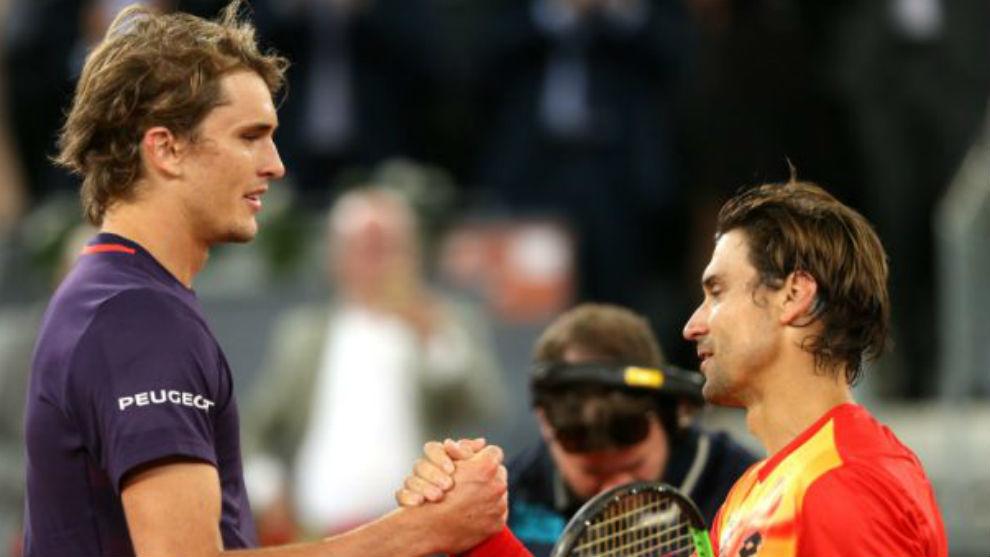 Zverev y Ferrer se saludan en la red