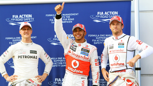 Button, junto a Hamilton y Schumacher.