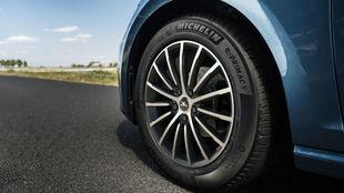 Un neumático Michelin e.Primacy con etiqueta A en cuanto a eficiencia...