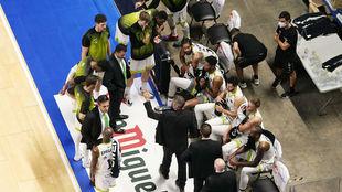 El Urbas Fuenlabrada durante un tiempo muerto en un partido de la Liga...