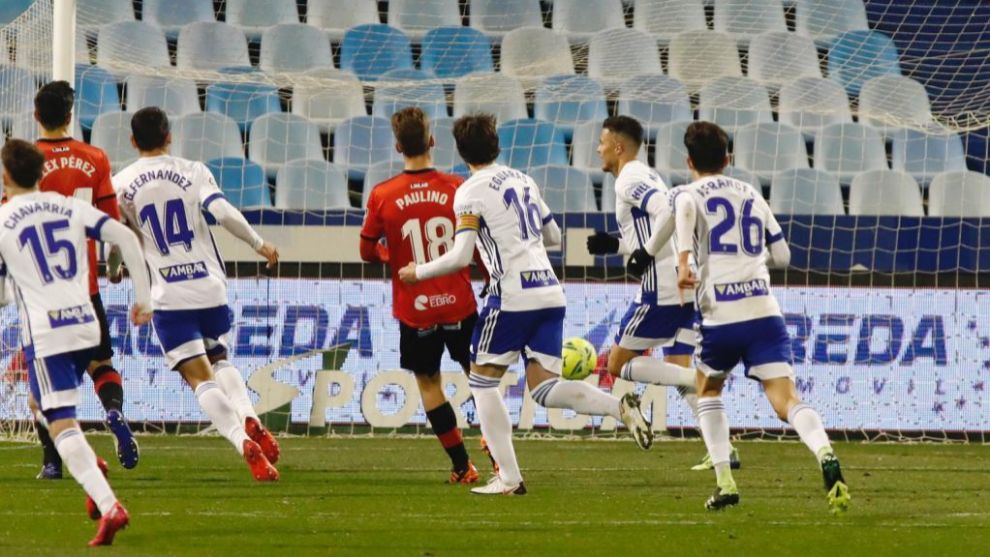Narváez, nada más marcar el penalti que abría el marcador en La...