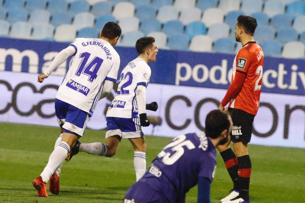 Bermejo celebra el segundo gol del Zaragoza al Logroñés