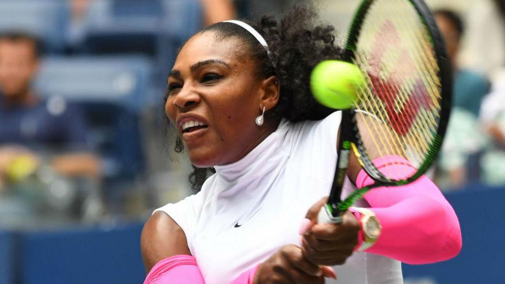 Serena pega de revés