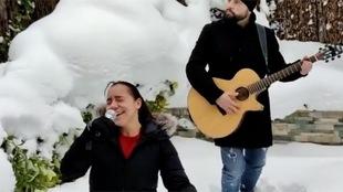 Charlyn Corral canta 'Sálvame' de RBD